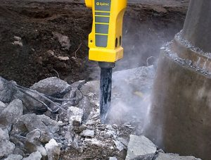 Read more about the article Minibagger mit Hydraulikhammer
