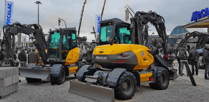 Read more about the article Mecalac MCR Bagger MWR Mobilbagger begeistern Bauma Besucher